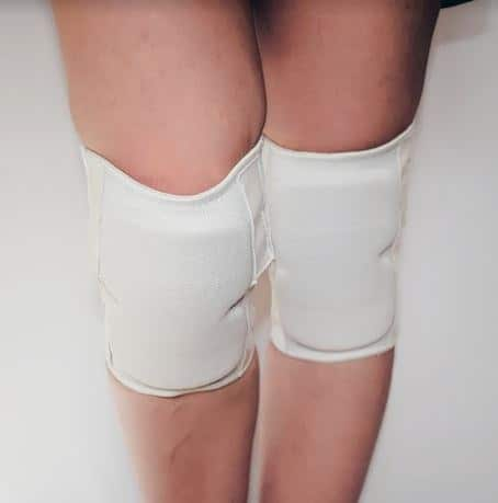 Sticky Knee Pads with Padding - White